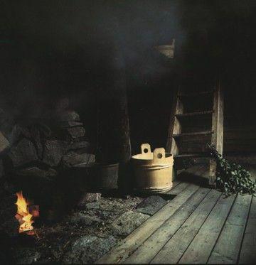 Heating the savu sauna - smoke sauna.