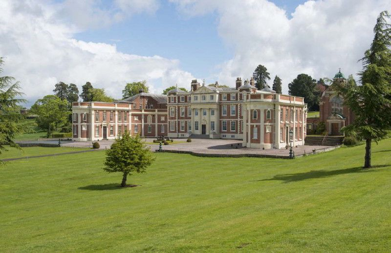 Magnificent Grade I Listed Mansion Lists For 4 250 000 Mansions Georgian Mansion Stately Home