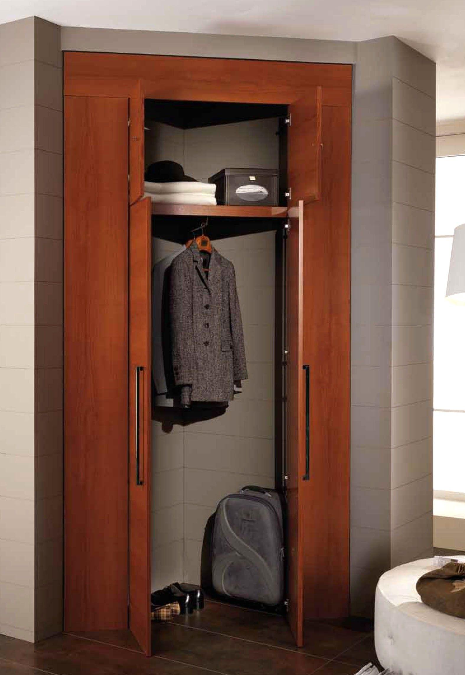 Armadio Ripostiglio Ad Angolo camera da letto piccola con cabina armadio con cabina