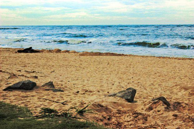 praia-deserta-itanhaem-a-bussola-quebrada