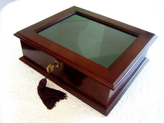 Jewelry box with glass top