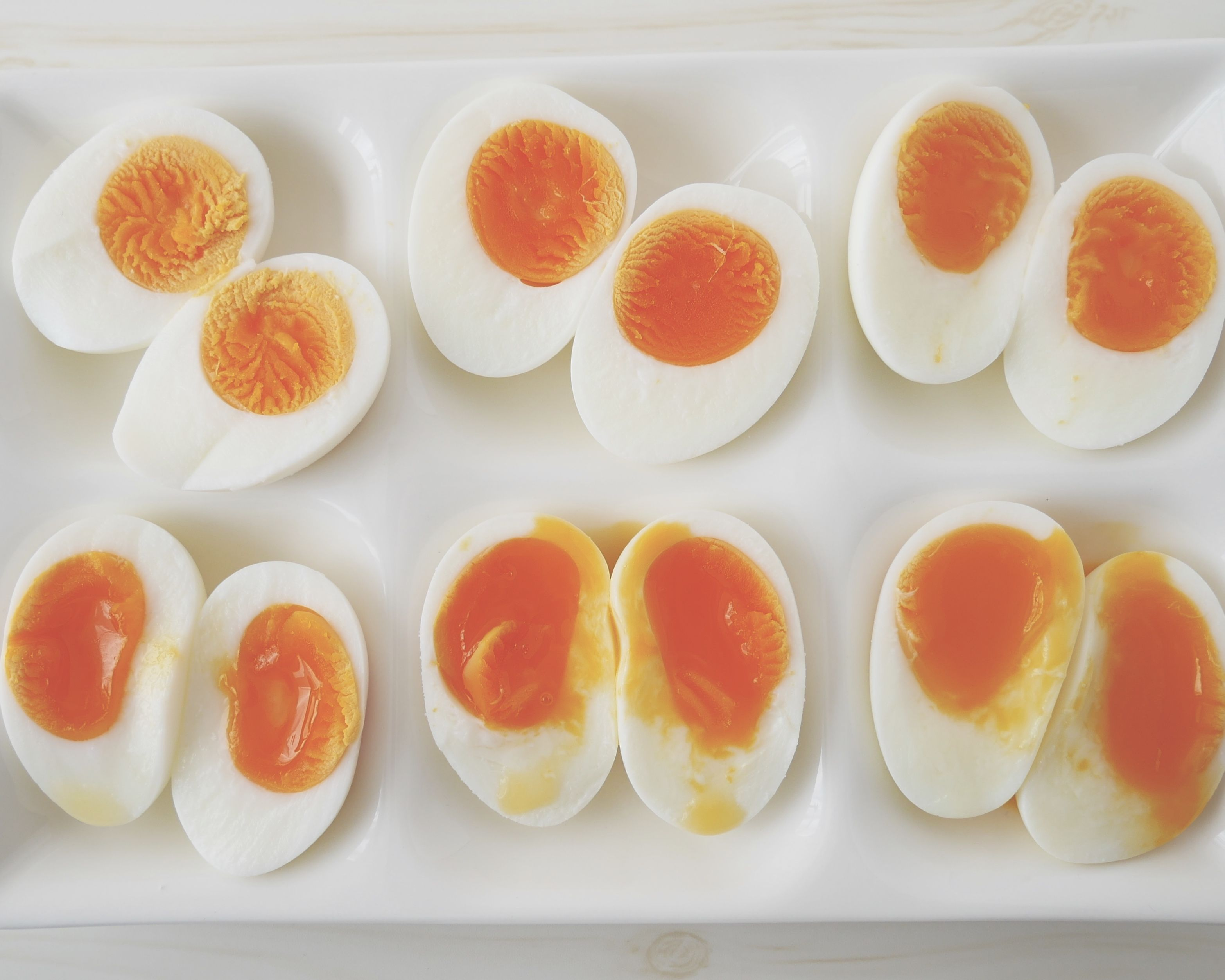 茹で 卵 お湯 から