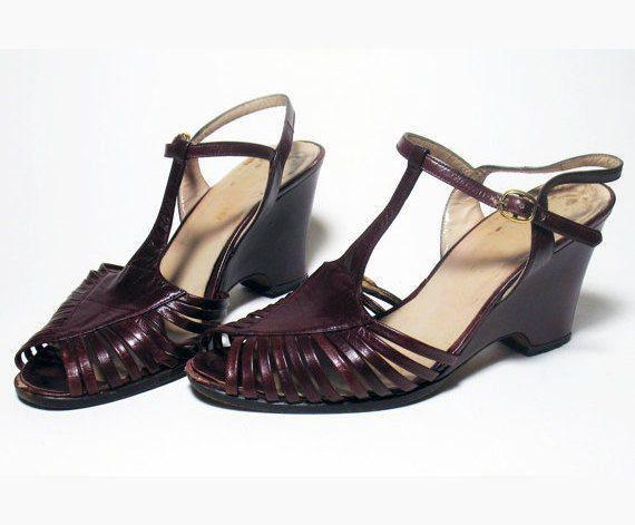 3a171bc6d2a23 Femmes Bordeaux Vintage chaussures compensées en cuir Italie   WorkShoesForWomen