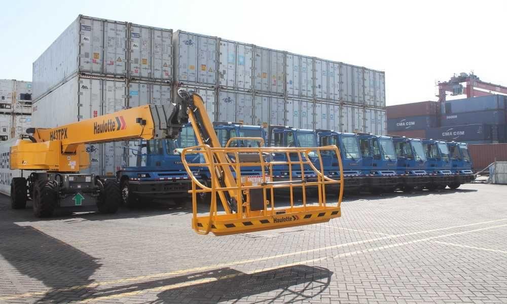 Bollore Africa Logistics Annonce Un Recrutement Massif Pour