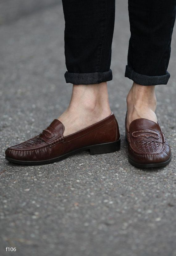 b2644a94f37e4 Vintage 80s Basket Weave Leather LOAFERS . Mens Slip On Brown Woven ...
