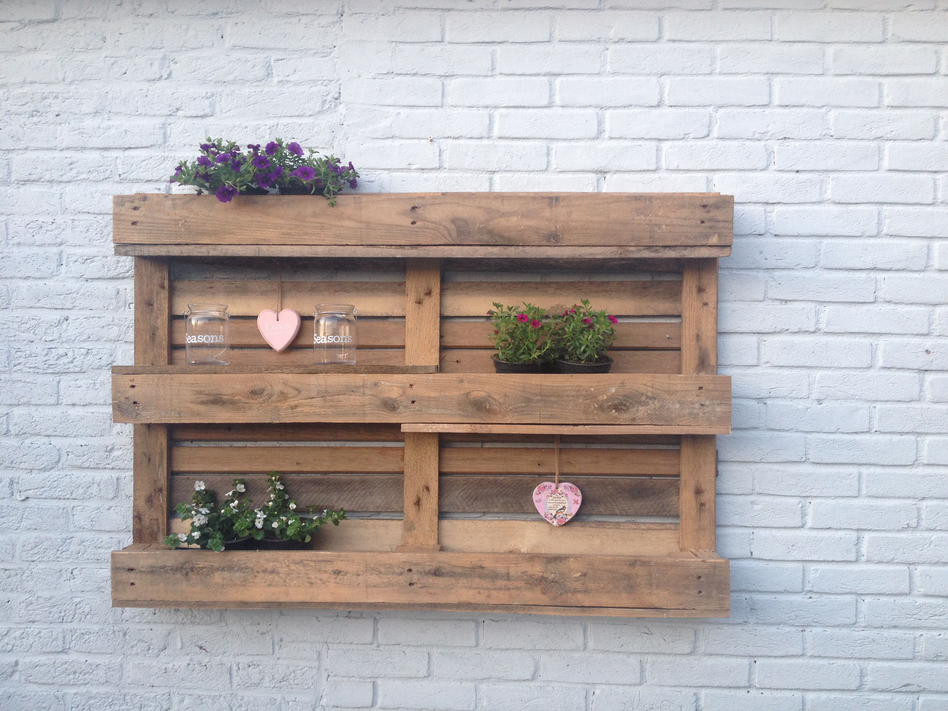 Pallets on Pinterest