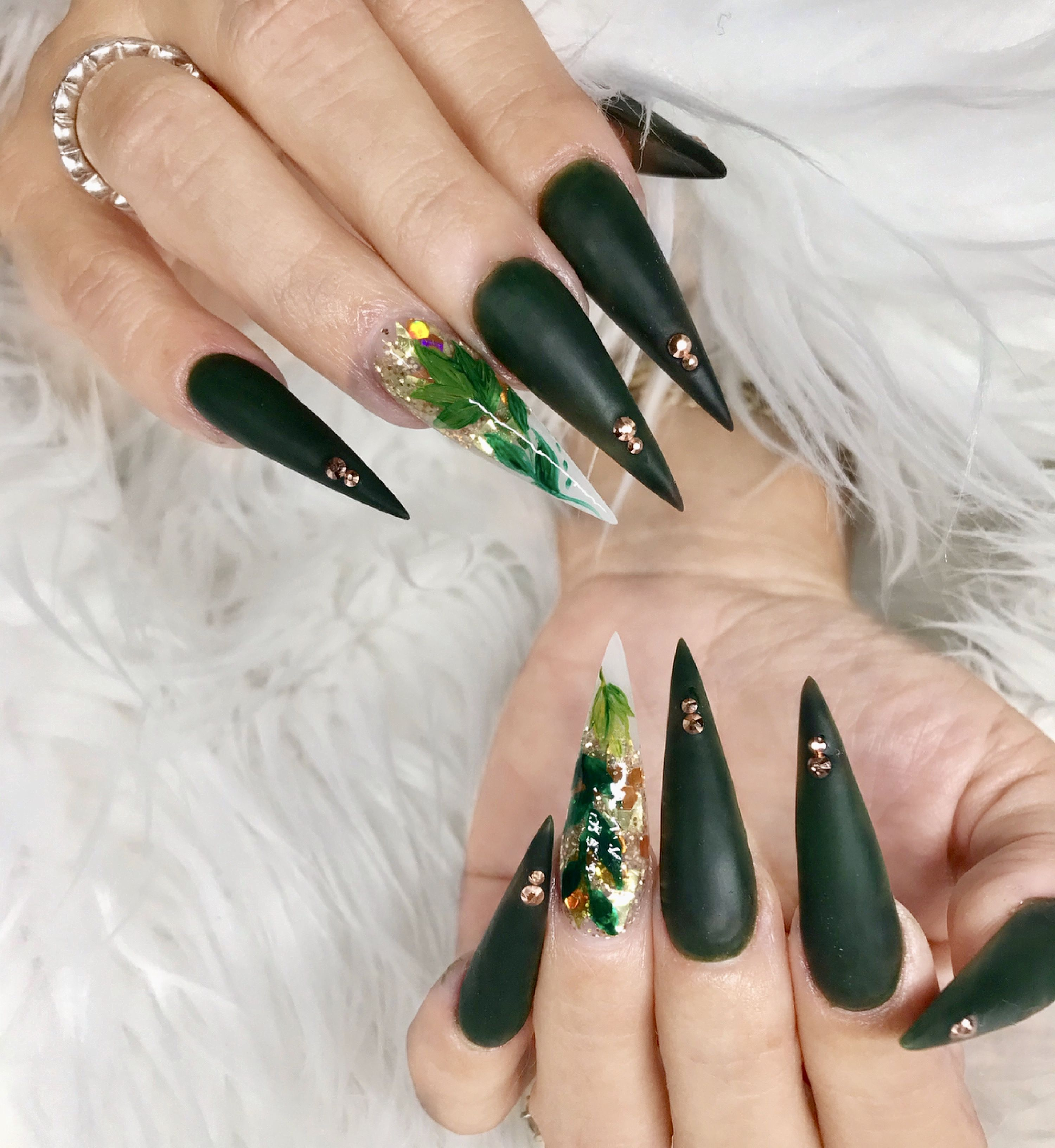 Green Stiletto Fallnails Love Nails Stiletto Nails Nails