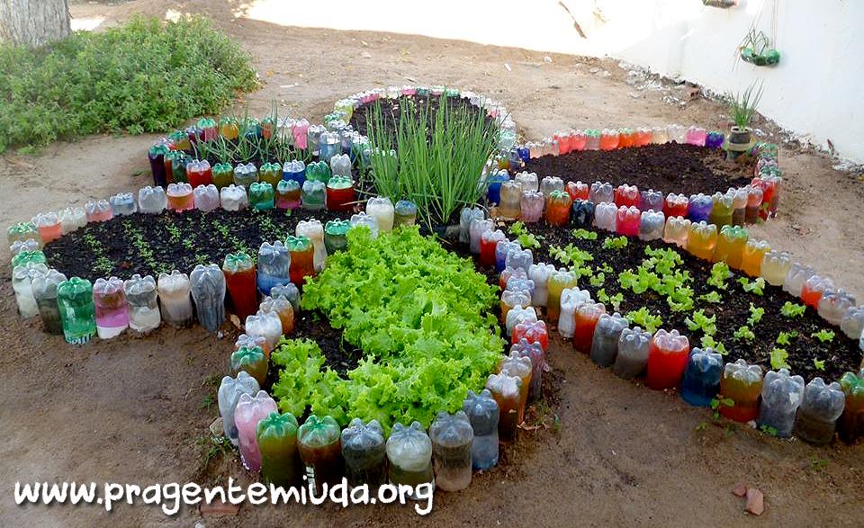 Aparador Alto Nogal ~ Pra Gente Miúda Horta em forma de flor com reciclagem de pet Arte com reciclado Pinterest