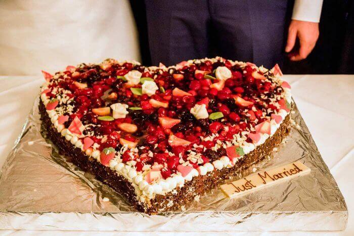 Herzkuchen Hochzeit In 2019 Hochzeitstorten