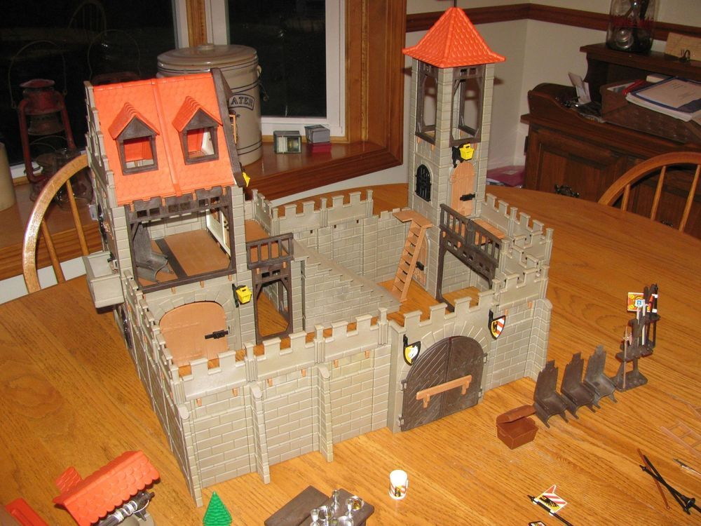 Vintage playmobil medieval large castle fiona and ian