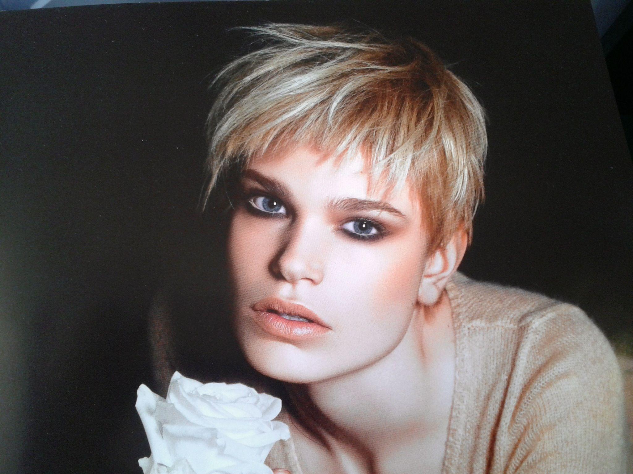 Pin by marie decaux on beauté cheveux courts short hair pinterest