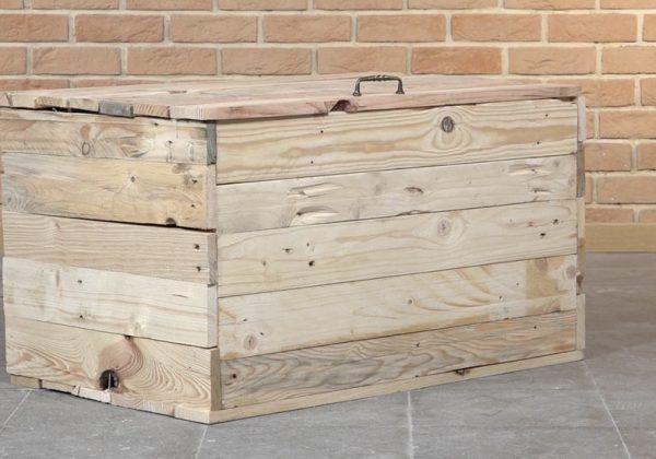 Tuto : Fabriquez un coffre de rangement en palette pour 20 euros