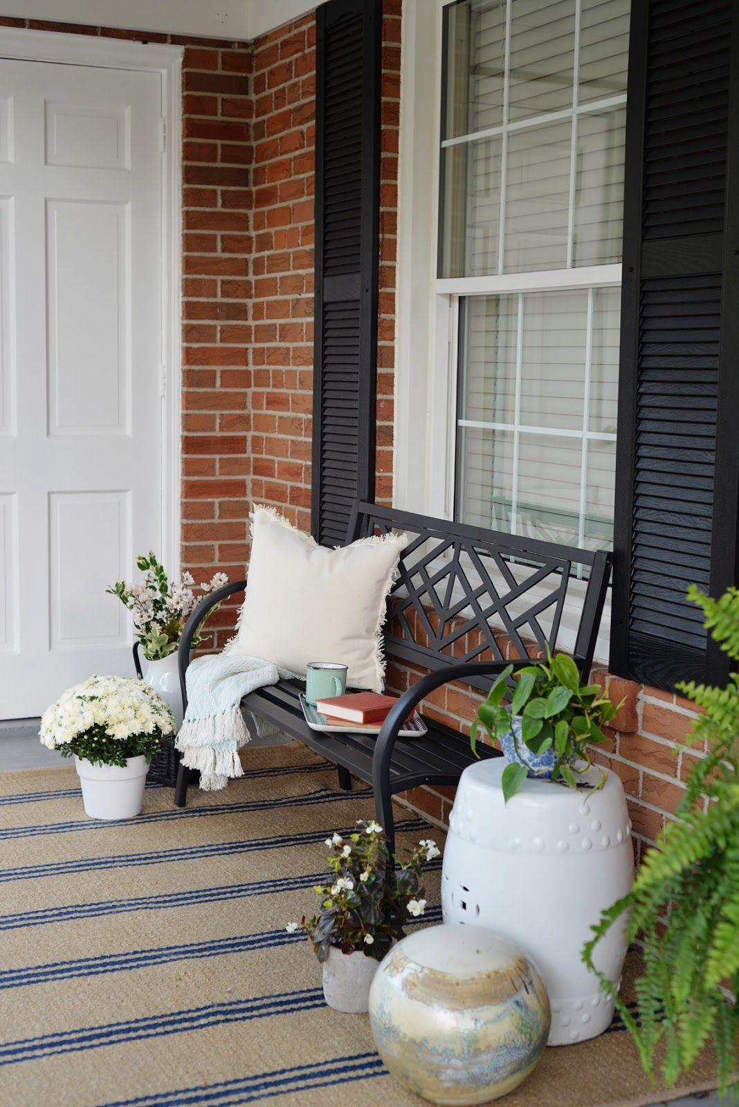 Rambling Renovators Front Porch Decorating Ideas For The Summer Front Porch Decorating Porch Decorating Front Porch Furniture