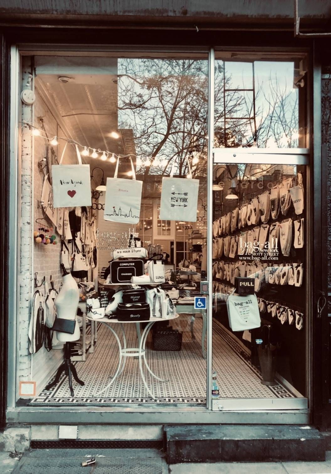 Shop Locator Bags, Shopping, Bag organization