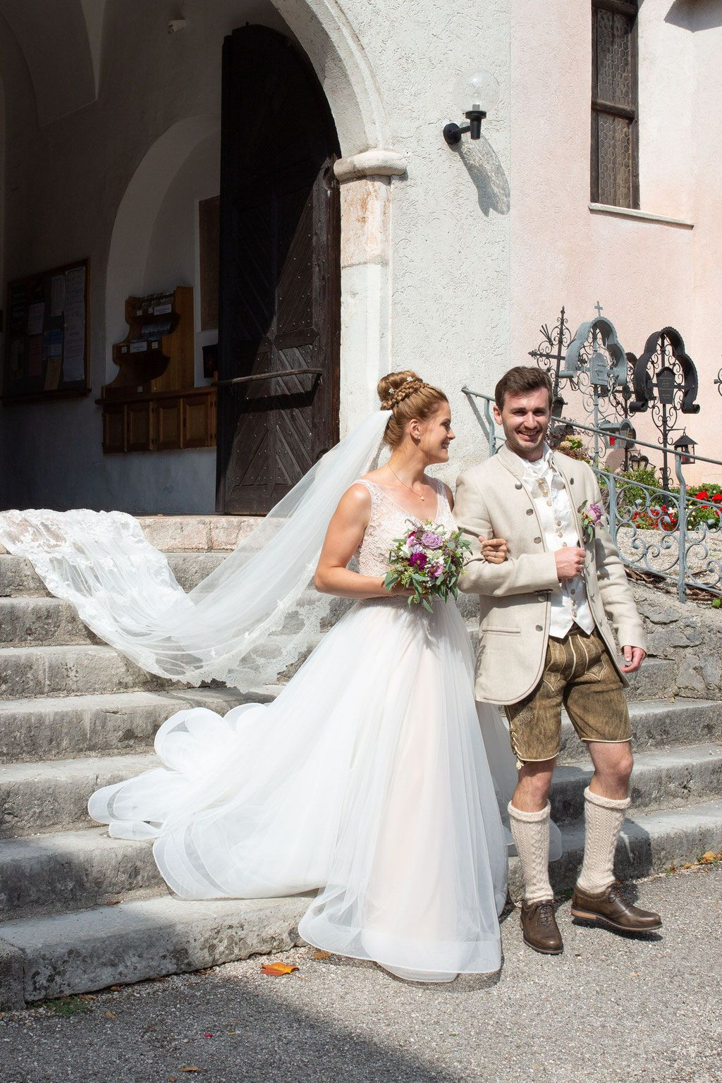 Auszug aus der Kirche  Hochzeitsfotograf, Hochzeit bilder, Trauung