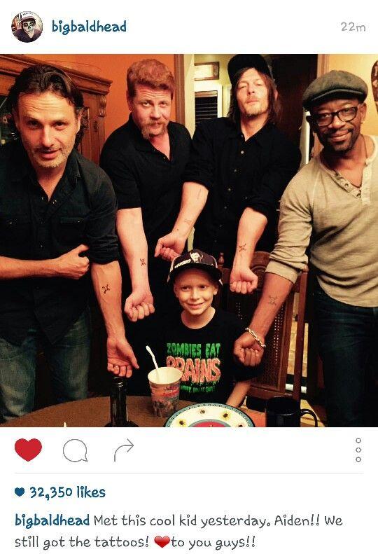 - Fangirl - The Walking Dead Cast