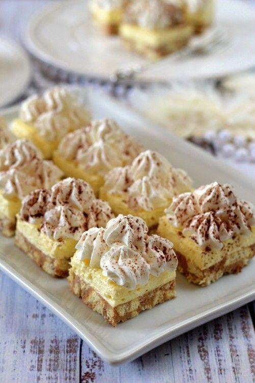 Vaníliás-gesztenyés szelet recept a krémhez: 1 csomag vaníliaízű pudingpor (4 dkg) 3 dl tej 12,5 dkg vaj 12,5 dkg porcukor