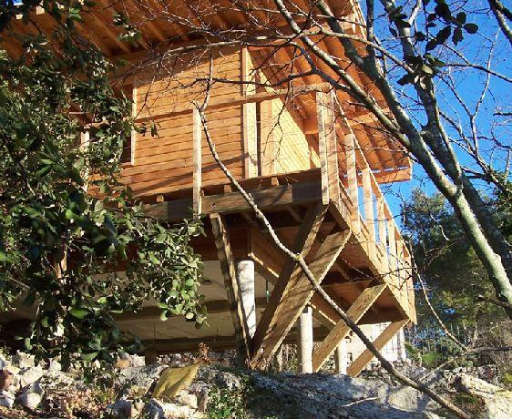 maison-bois-sur-pilotis-archenvironnement chalet Pinterest