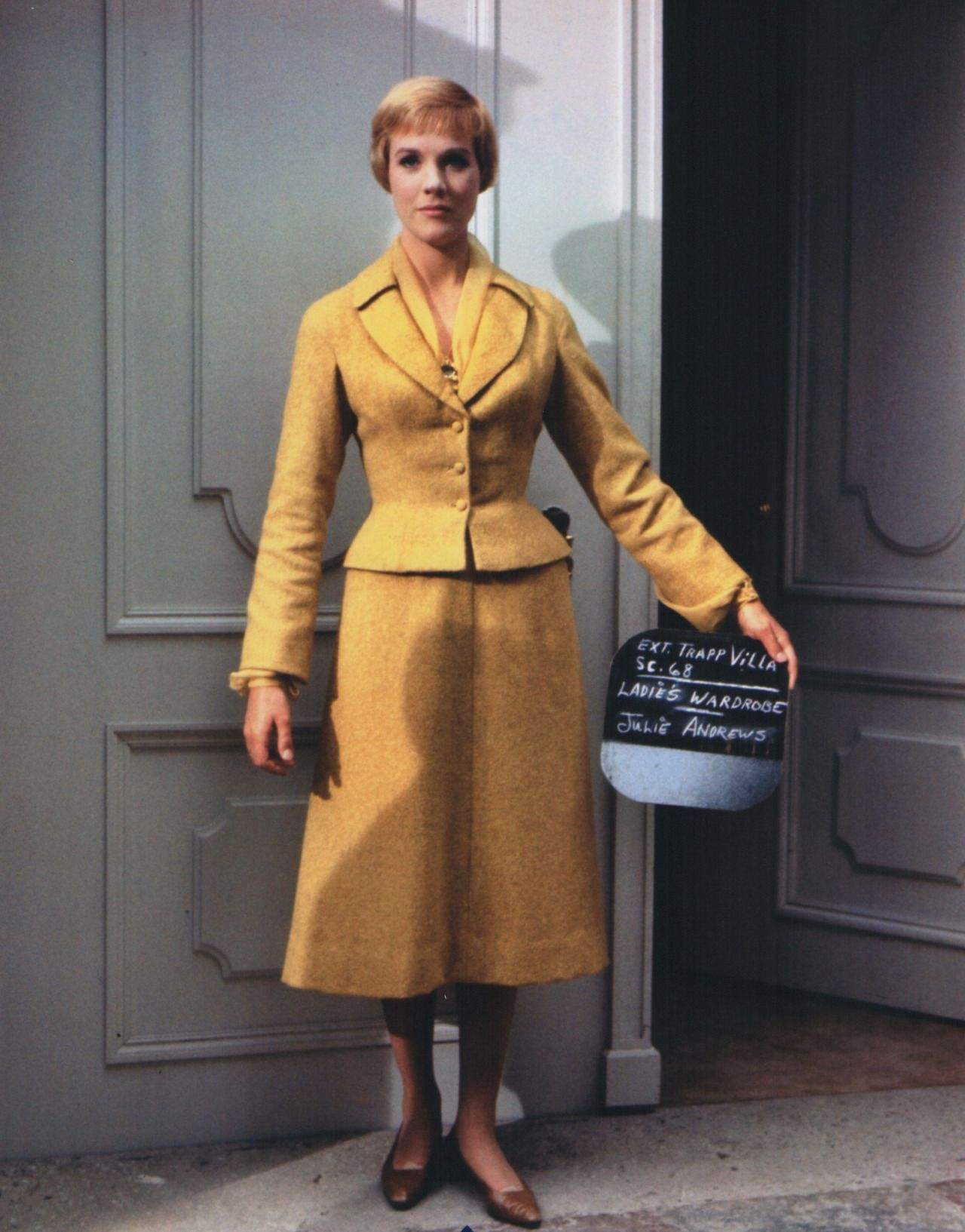Julie Andrews In The Sound Of Music 1965 Sound Of Music Costumes Sound Of Music Movie Julie Andrews
