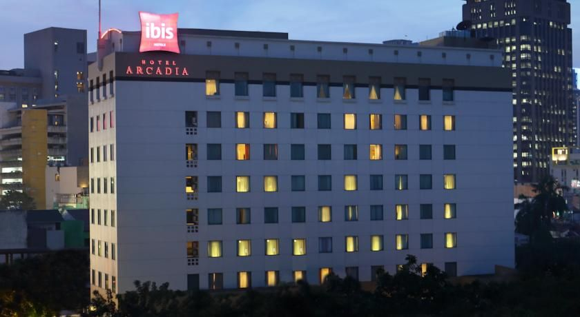 Ibis Jakarta Arcadia Jakarta The Ibis Arcadia Is Strategically Located In Jakarta S City Centre With Easy Access To Shopping And Enter City Entertaining Hotel