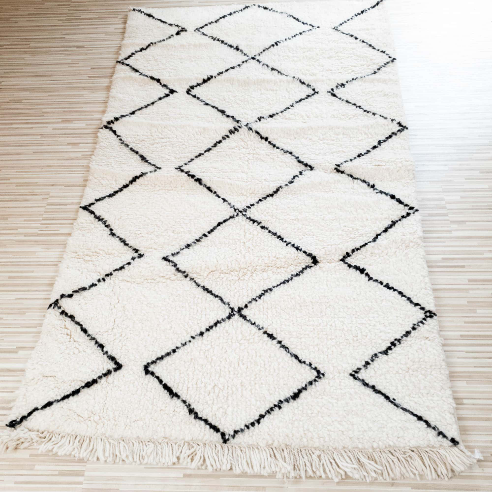 Beni Ourain Teppich 1 10m X 1 85m Dari Design Beniourain Marokkanischerteppich Moroccanrugs Wolltep Teppich Marokkanischer Teppich Marokkanische Teppiche