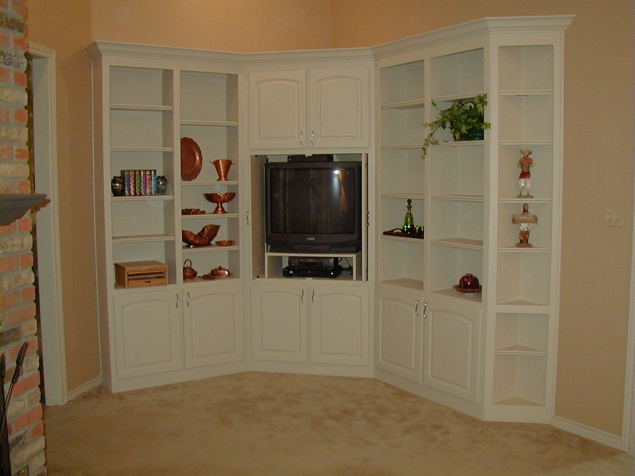 Фото мини шкафов угловых под телевизор
