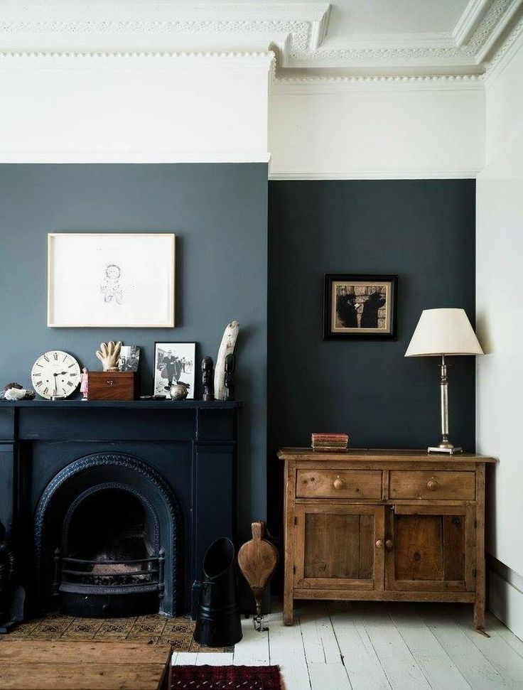 l like the combination of old wood with dark paint colours.