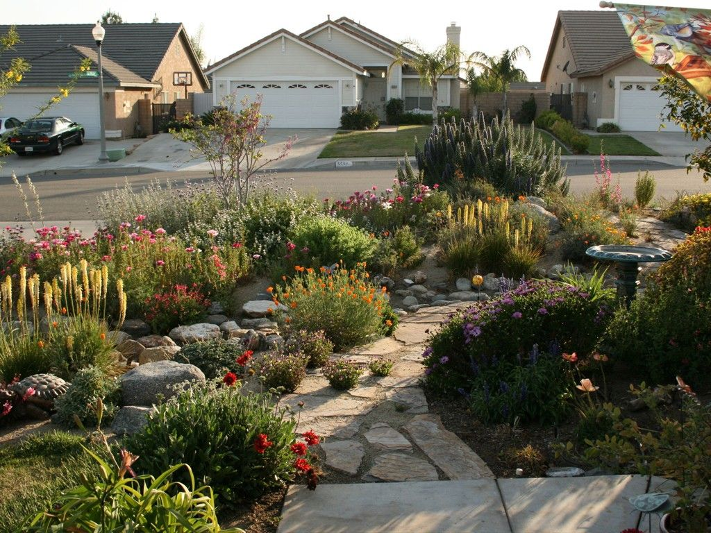 Make Simple Fresh And Modern Drought Tolerant Landscaping 400 x 300