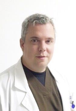Dr. Pedro Antonio Sánchez Mesa, MD. Cirujano Recosntructivo y del Reemplazo Articular Cadera y Rodilla, Ortopedia y Traumatologia Infantil y del Adolescente. Consultorio 301 PBX: 6009349 Ext; 10-02, Bogota, Colombia. Experto en tratamientos para la Cadera y la Rodilla.