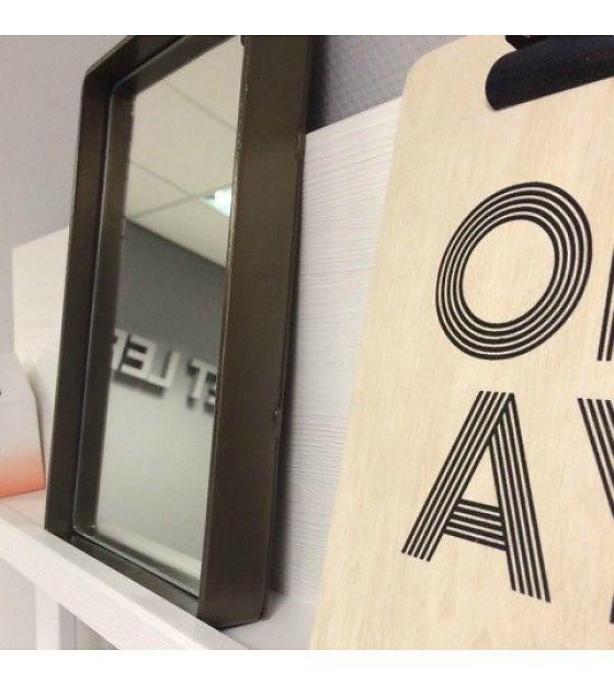 messing spiegel designer m bel messing beistelltisch modernes design minimalismus design. Black Bedroom Furniture Sets. Home Design Ideas
