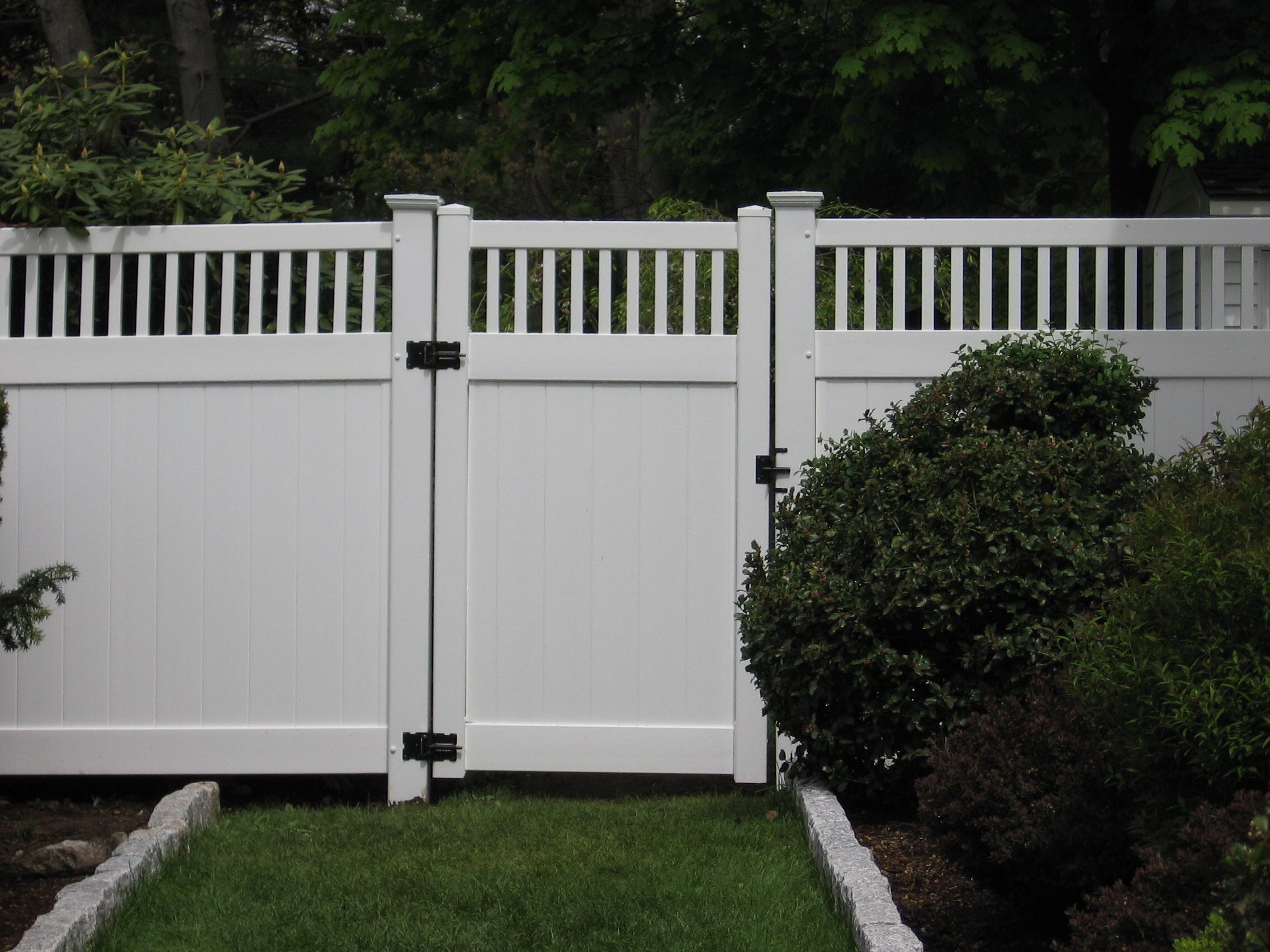 Vinyl Fences With A Gate Vinyl Fence With Essex Topper Fences Boston Ma This Fence Installation Vinyl Fence Fence Installation Cost Vinyl Fence Panels