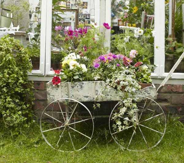 Delicieux Garden Decorating With Old Furniture Photos | ... Inspired Backyard  Decorating In Retro Style, Antique Cart With Flowers