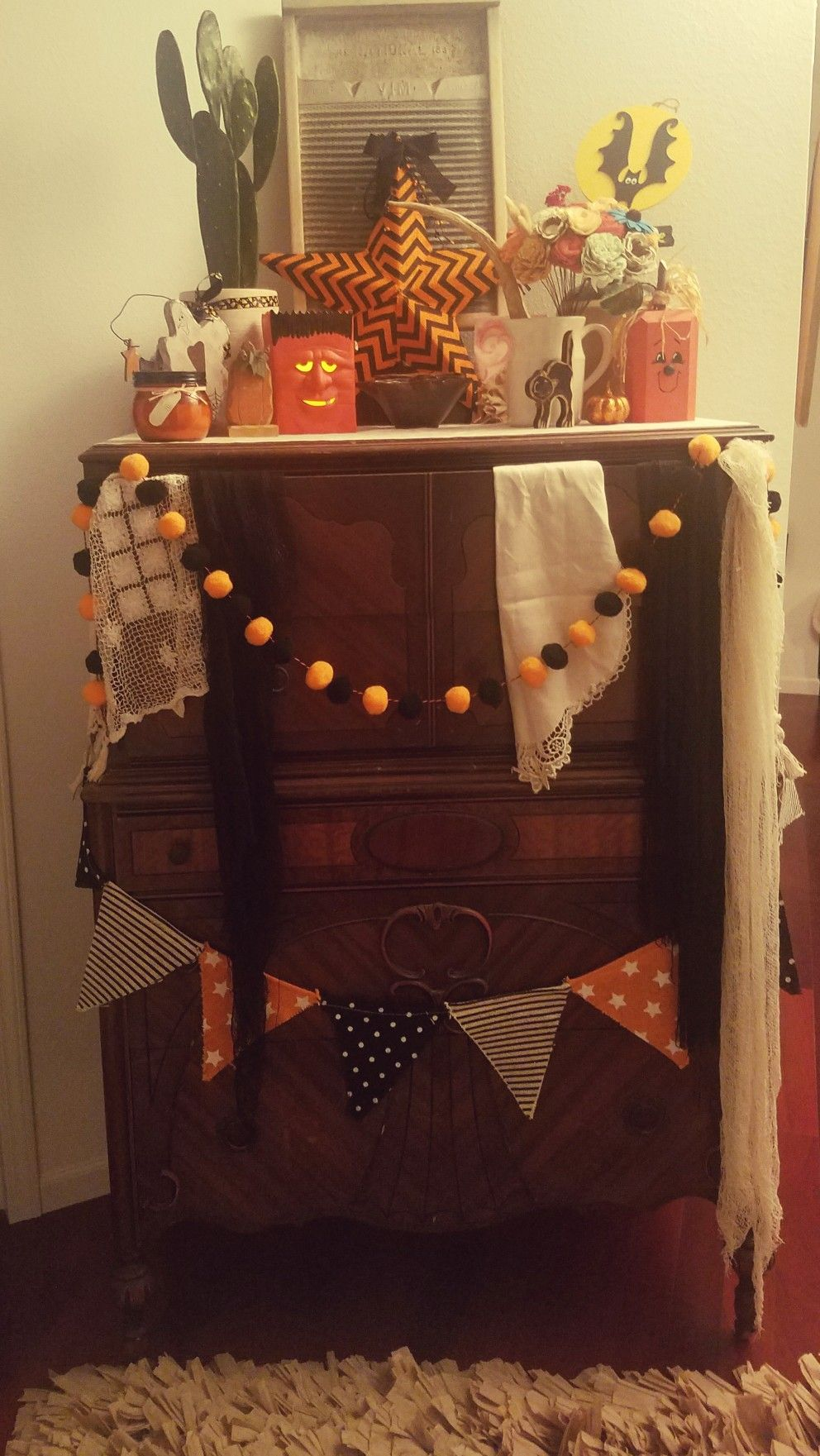 branches on corners like a canopy! Halloween bedroom