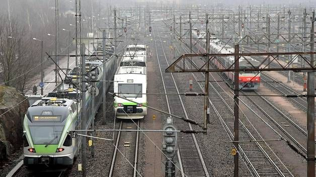 Yöjunat jopa kaksi tuntia myöhässä – matkustajamäärät hidastavat VR:n liikennettä - Kotimaa - Ilta-Sanomat