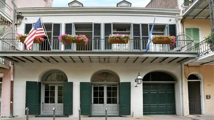 Buy Brad Angelinas New Orleans Home Go Pinterest Celebrity