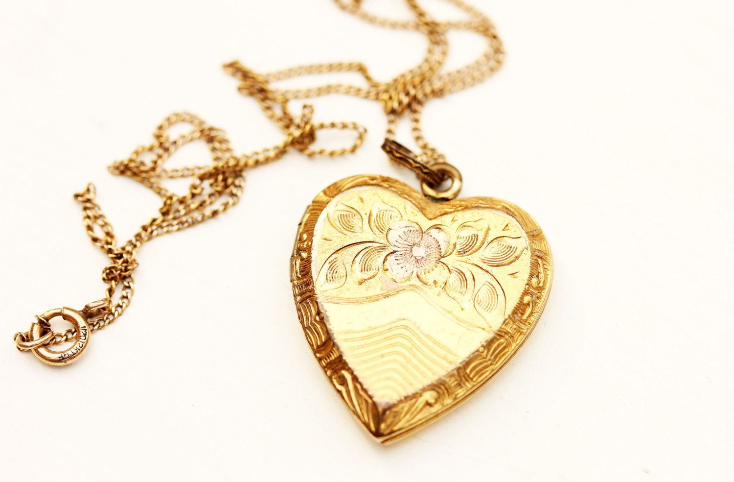 Gold Filled Vintage Flower Heart Locket Necklace by diamentdesigns
