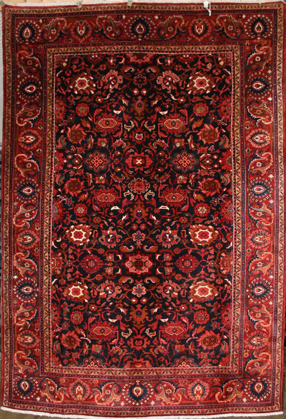Large Persian HandKnotted Nanaj Rug in Wool (Cotton