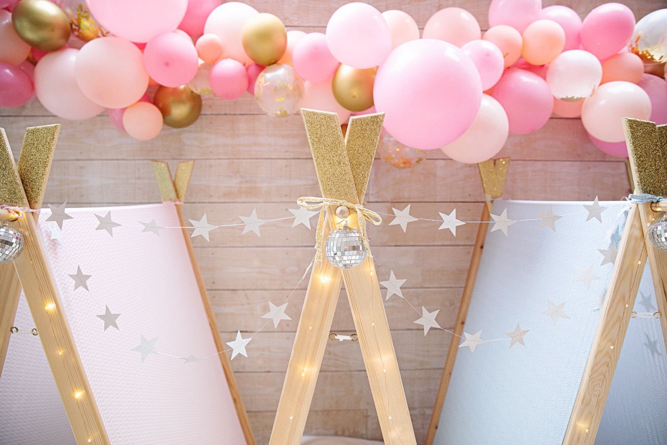 You can never have too many balloons at our Pastel Disco sleepovers!⁠ ⁠ Our disco theme has everything you need to get your party grooving including disco balls, party lights and teepees to rest in after all the dancing. 🕺💃⁠ .⁠ .⁠ .⁠ #kidsparty #teepees #birthdayparties #teepeeparty #bristol #london #teepeesleepover #kidspartyideas #sleepovers #sleepoverideas #partytheme #sleepoverparty ⁠#discotheme #discoparty⁠