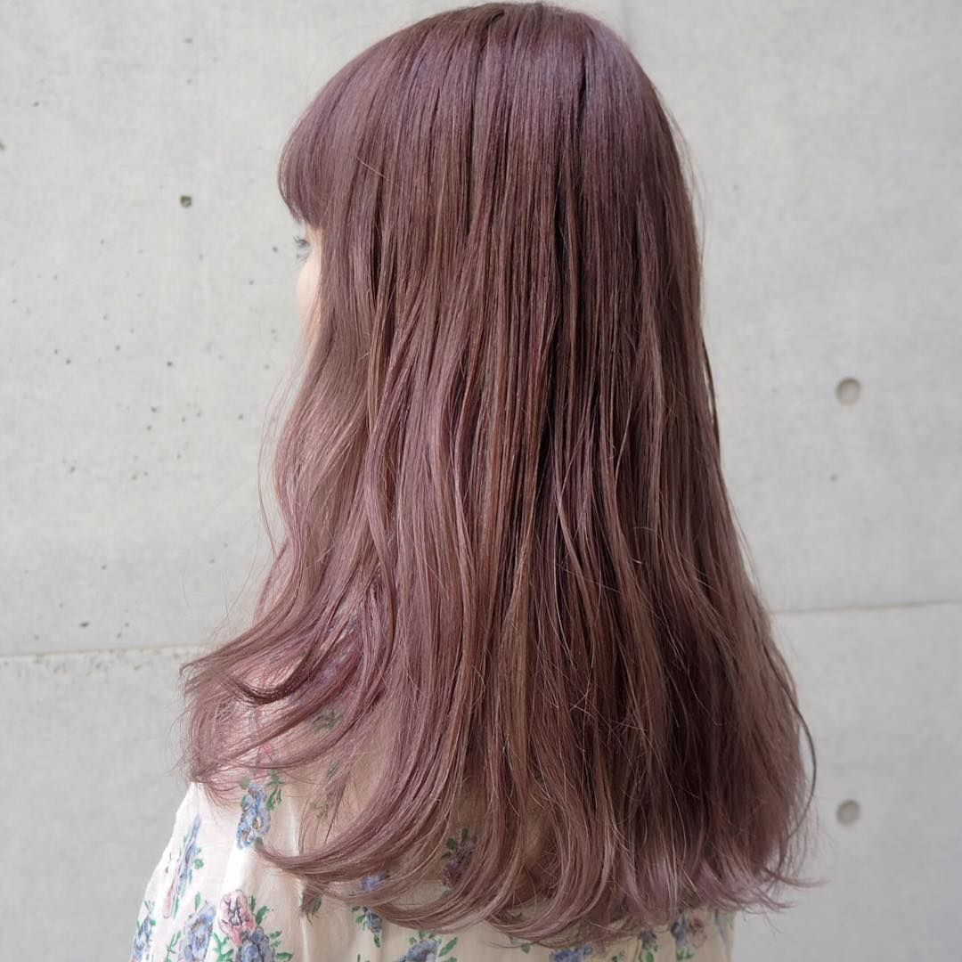ピンクベージュの髪色23選 ブリーチ無しで出来るヘアカラー画像も