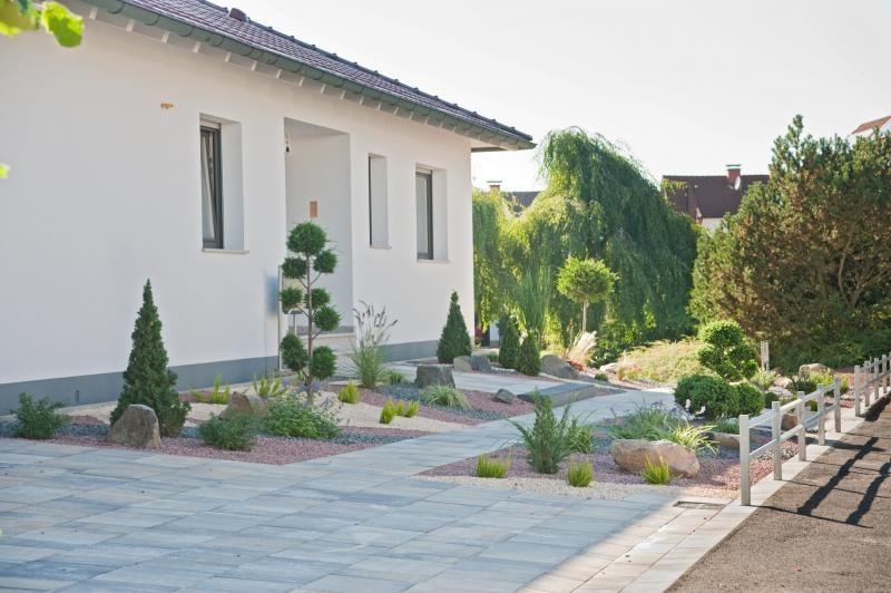 Hofeinfahrt aus Kannpflaster Eingangsbereich u Vorgarten - vorgarten modern kies