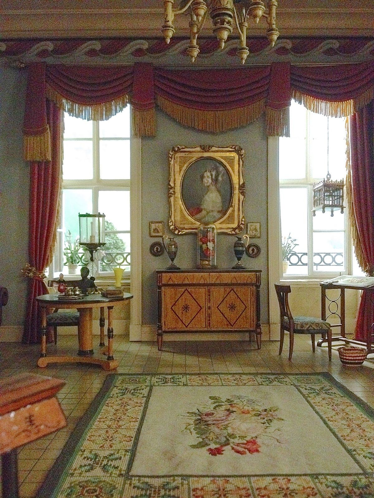 Susan's Mini Homes: Thorne Miniature Rooms - Exquisite reproductions of dollhouse sized rooms.