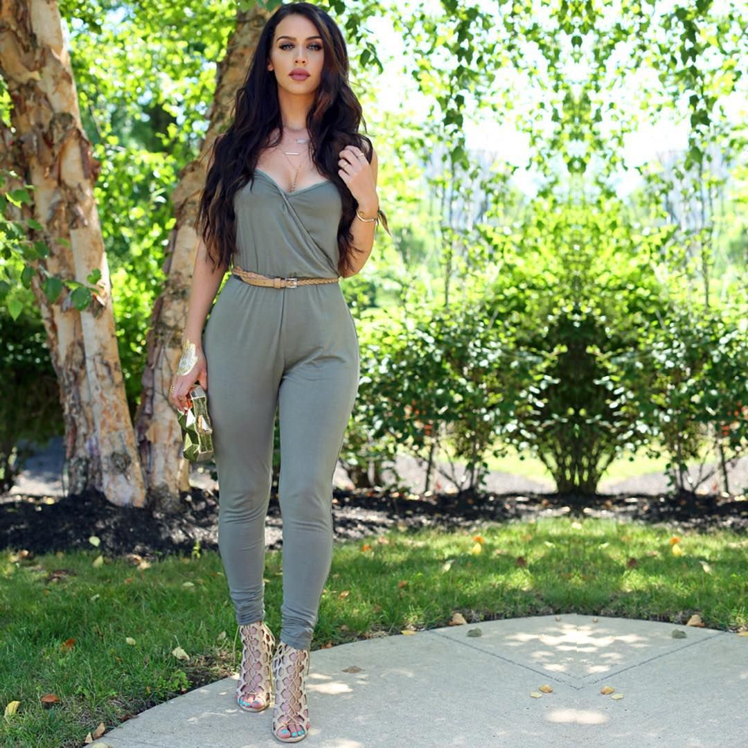 girl fashion outfit style clothes shoes high heels luxury car hair lips eyes make up youtuber carli bybel