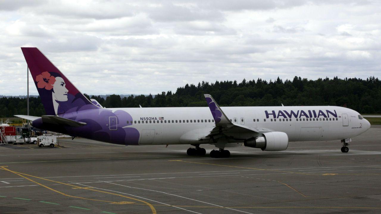Flight attendant dies on nycbound hawaiian airlines
