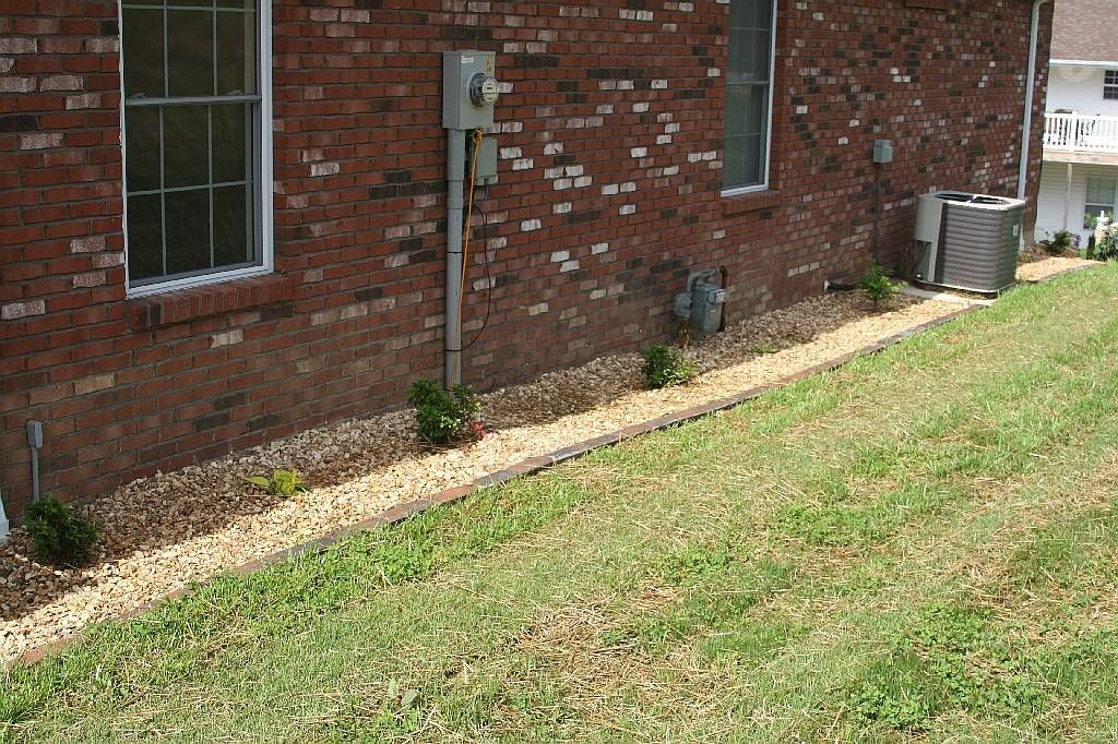 Landscaping Around House Rocks Foundation Of Home Deters Termites