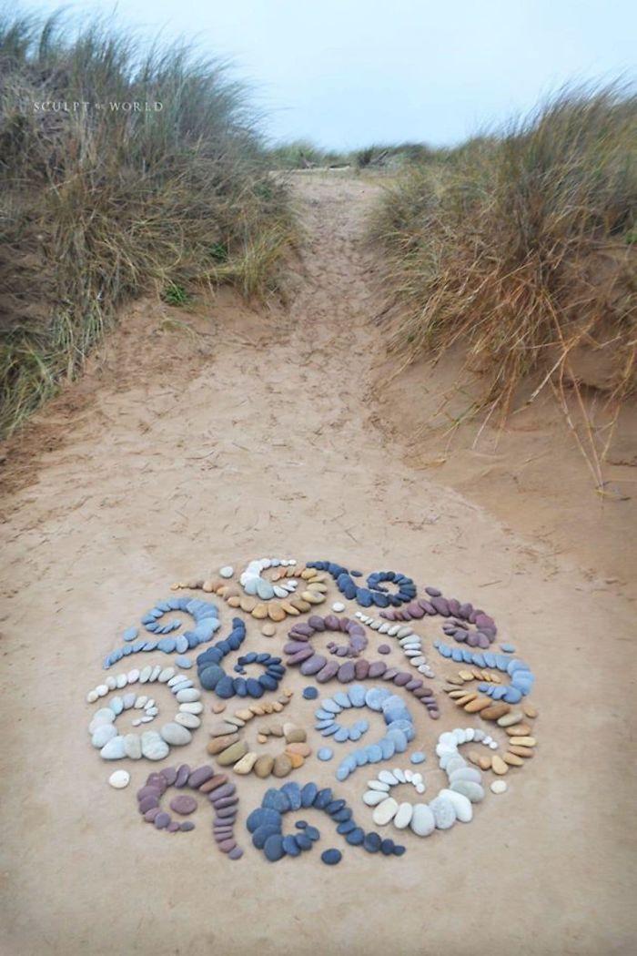 Photo of Stone-Arrangements-Beach-Land-Art-Jon-Foreman