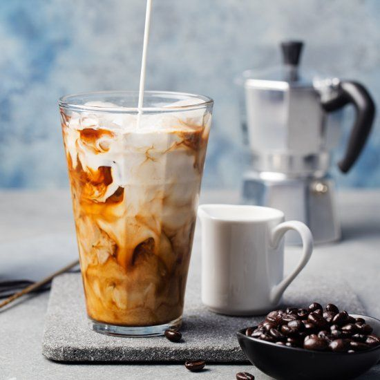 Make A Delicious Coffee House Style Iced Vanilla Latte At