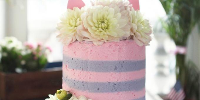 """Quand """"Alice aux Pays des Merveilles"""" inspire un magnifique gâteau coloré"""