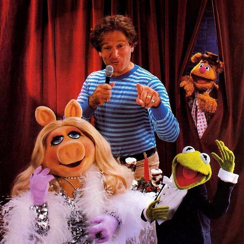 Kermie, Piggy, Fozzie, and ROBIN! this picture makes me so happy....and so sad.