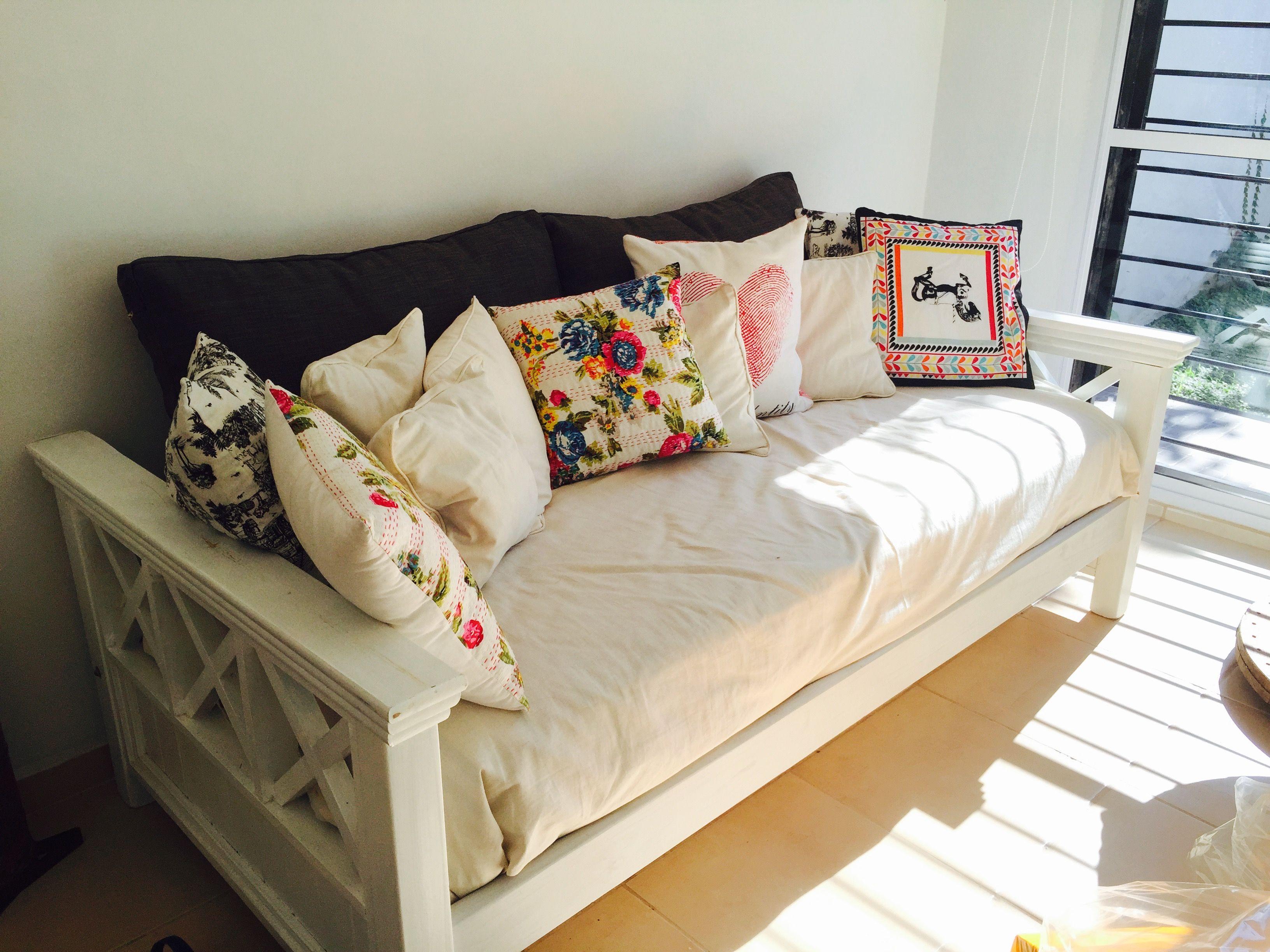 Ex cama marinera ahora sill n sala de estar pinterest for Sillones para departamentos