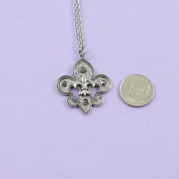 """Fleur De Lis 18"""" Necklace"""